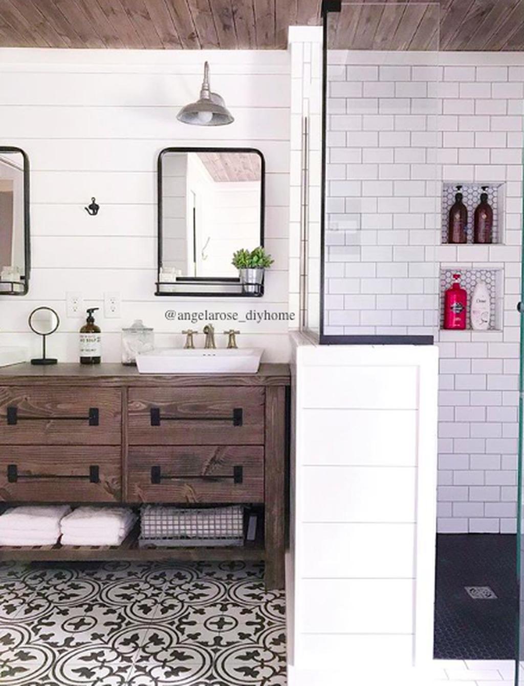 Astonishing Farmhouse Shower Tile Decor Ideas To Try 33