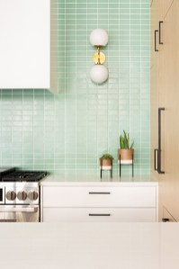 Comfy White Kitchen Cabinets Design Ideas To Try 12