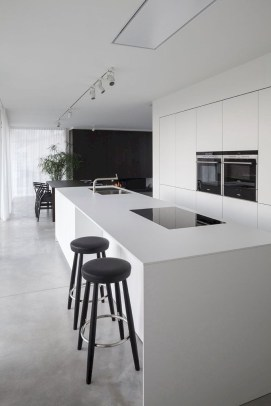 Comfy White Kitchen Cabinets Design Ideas To Try 34