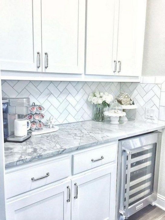 Comfy White Kitchen Cabinets Design Ideas To Try 47