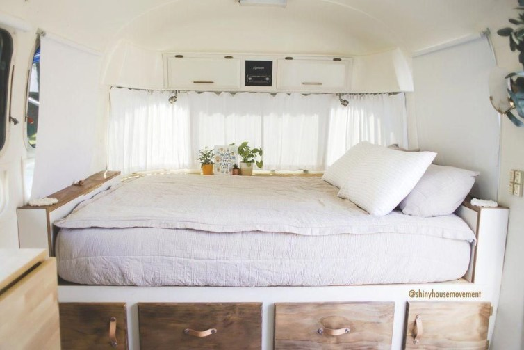 Excellent Airstream Interior Design Ideas To Copy Asap 27