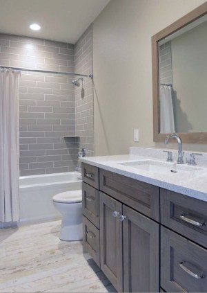 Inspiring Small Bathroom Design Ideas With Wood Decor To Inspire 42