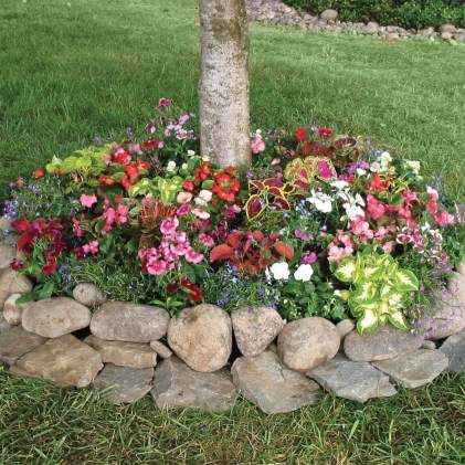 Modern Flower Beds Rocks Ideas For Front House To Try 29