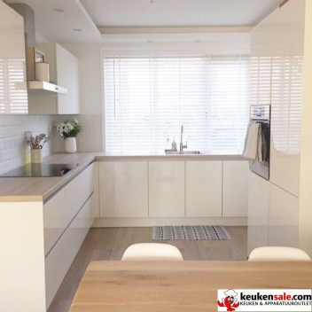 Relaxing Kitchen Cabinet Colour Combinations Ideas To Try 19