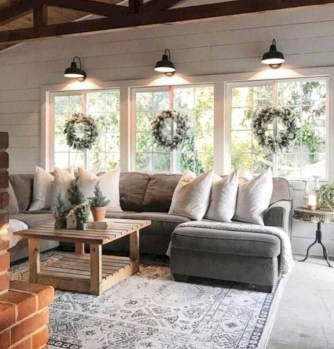 Splendid Farmhouse Living Room Decor Ideas 44