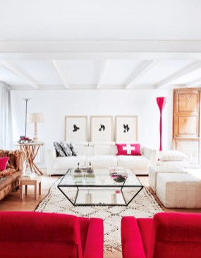 Superb Red Apartment Ideas With Rustic Accents 15