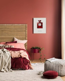 Superb Red Apartment Ideas With Rustic Accents 46