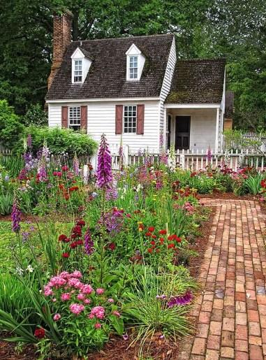 Amazing Design For Tiny Yard Garden 20
