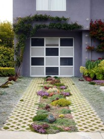 Amazing Design For Tiny Yard Garden 27
