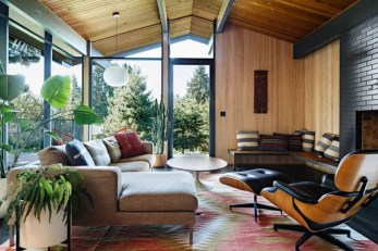 Comfortable And Modern Mid Century Living Room Design Ideas 28