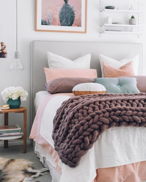 Cute And Girly Pink Bedroom Design For Your Home 44