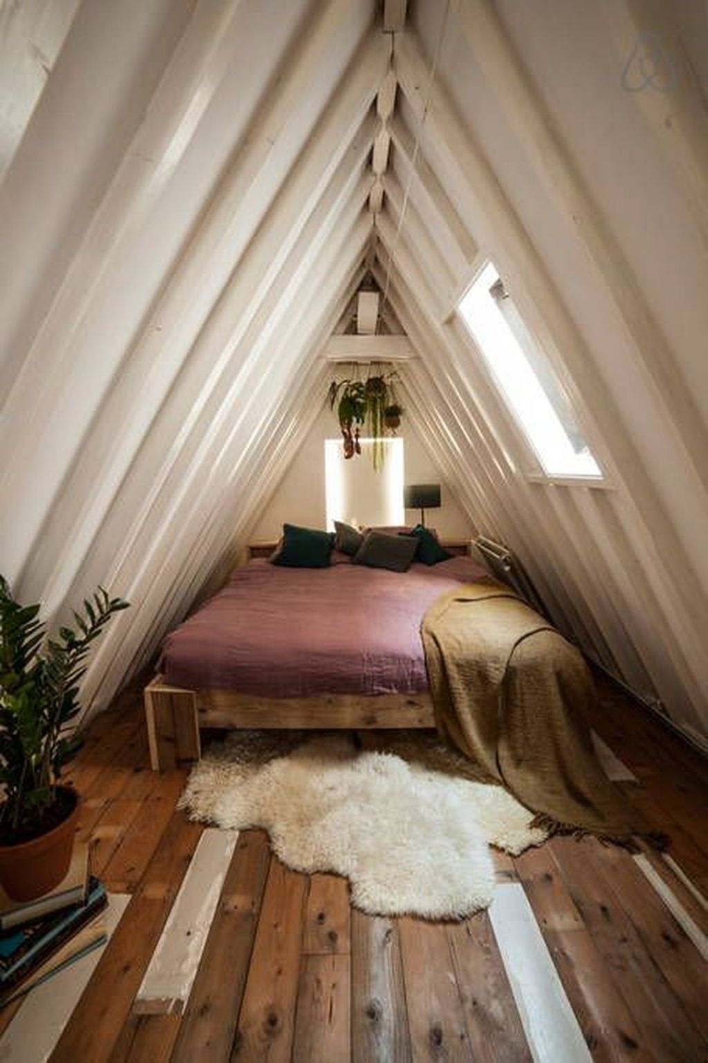 Elegant Small Attic Bedroom For Your Home 27