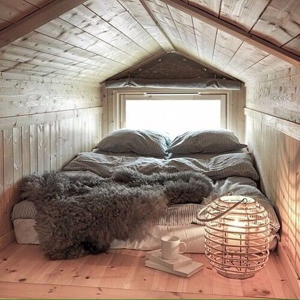 Elegant Small Attic Bedroom For Your Home 41