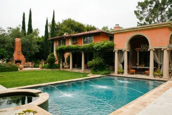 Gorgeous Mediterranean Swimming Pool Designs Out Of Your Dream 18