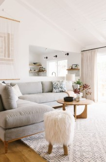 Gorgeous Scandinavian Living Room Design Ideas 37