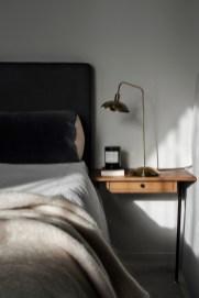 Masculine And Modern Man Bedroom Design Ideas 27