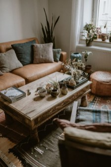 Stunning Bohemian Living Room Design Ideas 16