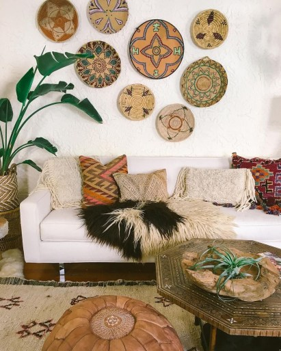 Stunning Bohemian Living Room Design Ideas 26