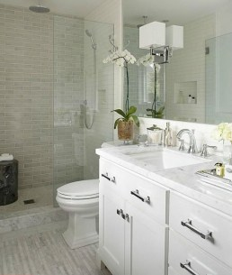 Stylish Small Master Bathroom Remodel Design Ideas 14
