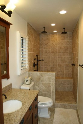 Stylish Small Master Bathroom Remodel Design Ideas 15