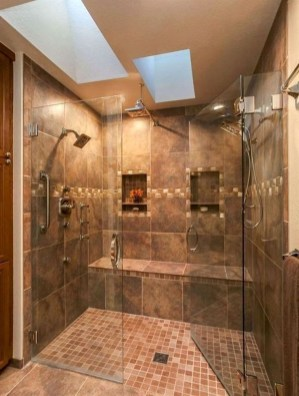 Stylish Small Master Bathroom Remodel Design Ideas 27