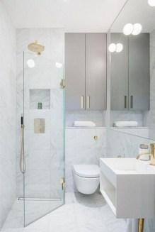 Stylish Small Master Bathroom Remodel Design Ideas 28