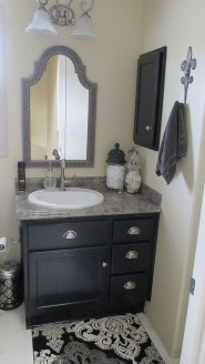 Stylish Small Master Bathroom Remodel Design Ideas 38