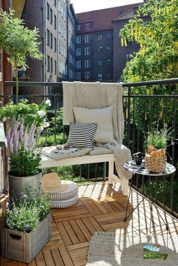 Awesome Apartment Balcony Design Ideas 07