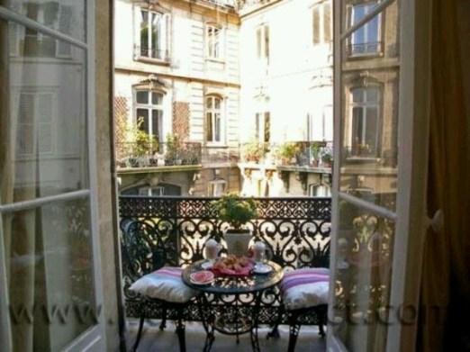 Awesome Apartment Balcony Design Ideas 24