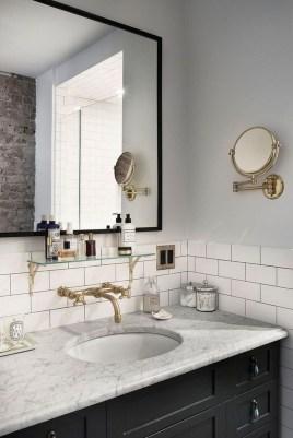 Beautiful Classic Bathroom Design Ideas 16