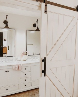 Beautiful Classic Bathroom Design Ideas 17
