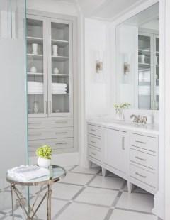 Beautiful Classic Bathroom Design Ideas 19