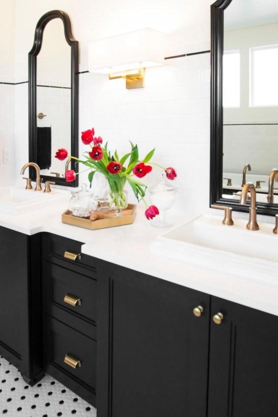 Beautiful Classic Bathroom Design Ideas 36