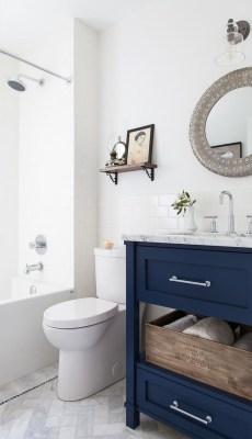 Beautiful Classic Bathroom Design Ideas 40