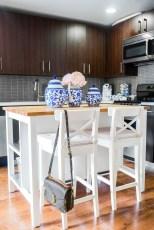 Brilliant Small Apartment Decor And Design Ideas 15