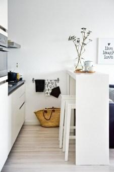 Brilliant Small Apartment Decor And Design Ideas 25