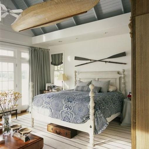 Comfortable Lake Bedroom Design Ideas 10