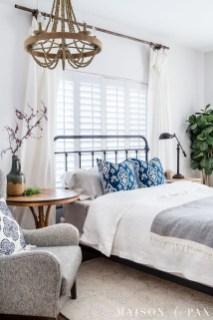 Comfortable Lake Bedroom Design Ideas 14
