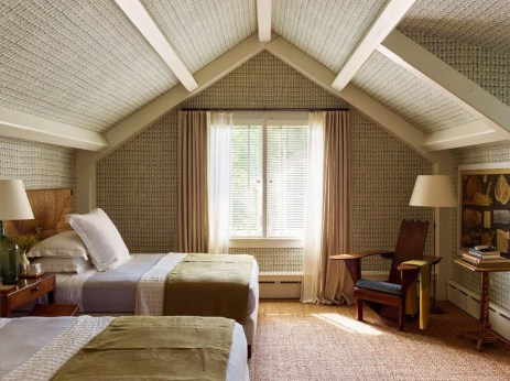 Comfortable Lake Bedroom Design Ideas 17