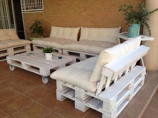 Creative DIY Outdoor Furniture Ideas 18