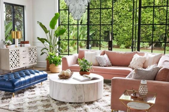 Cute Pink Lving Room Design Ideas 30