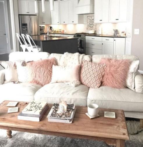Cute Pink Lving Room Design Ideas 32