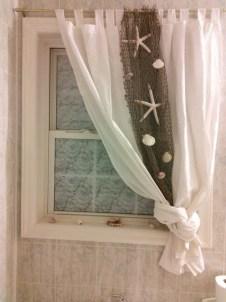 Fabulous Coastal Decor Ideas For Bathroom 14