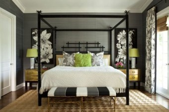 Glamorous Canopy Beds Ideas For Romantic Bedroom 04