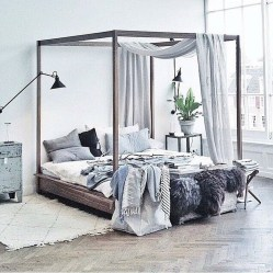 Glamorous Canopy Beds Ideas For Romantic Bedroom 14