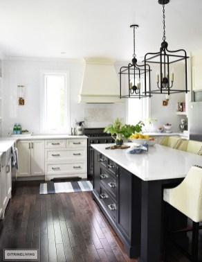 Gorgeous Black Kitchen Design Ideas You Have To Know 06
