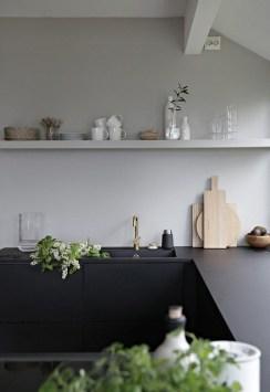 Gorgeous Black Kitchen Design Ideas You Have To Know 32