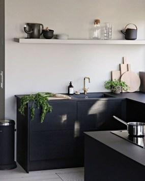 Gorgeous Black Kitchen Design Ideas You Have To Know 34