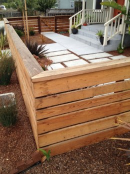 Relaxing Front Yard Fence Remodel Ideas For Your Home 29