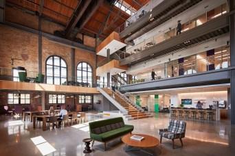 Stunning And Modern Office Design Ideas 13